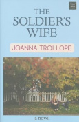 The Soldier's Wife (Center Point Platinum Fiction  [Large Print]