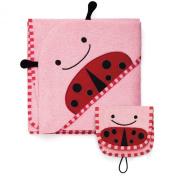 Skip Hop Zoo Hooded Towel & Mitt Set in Ladybug
