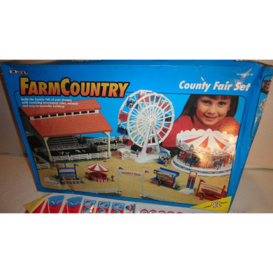 VINTAGE ERTL FARM COUNTRY COUNTY FAIR PLAY SET, FARMCOUNTRY COUNTY FAIR SET