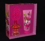 Betsey Johnson Gift Set 2Pcs. [3.4 Fl. Oz. Eau De Perfume Spray