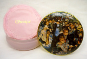 Sassique Dusting Powder in Refillable Tin