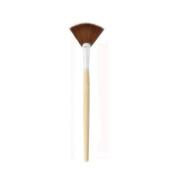Bamboo Highlighting Fan Makeup Brush