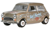 oxford just married mini car 1.4 scale diecast model
