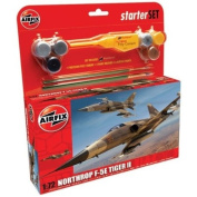 Airfix A50094 Northrop F-5E Tiger II 1:72 Scale Model Medium Starter Set