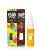 Models Own Nail Art Pen! - Yellow!