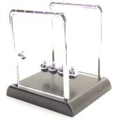 Desk top mini Newtons cradle