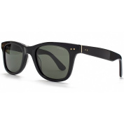 Polaroid Sunglasses Wayfarer in Black.