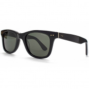 Polaroid Sunglasses Wayfarer in Black.