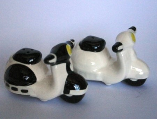 Salt And Pepper Set Cruet Set Salt And Pepper Scooters Black And White Ebay