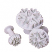 6Pcs 3 sizes Snowflake Cake Decorating Plunger Cutter Sugarcraft Mould Tool