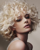 PERRUQUE BLONDE CURLY COOL SOPHISTICATED STYLE VERY CLASSY LOOK