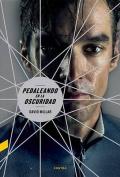 Pedaleando En La Oscuridad [Spanish]