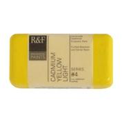 R & F Encaustic 40ml Paint, Cadmium Yellow Light