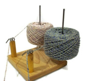 Nancy's Knit Knacks Yarn Pet Duo for Knitters and Crocheters