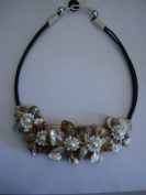 Flower Collar Necklace-Beige