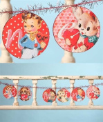 "BETHANY LOWE Retro Valentine's Day ""Be Mine"" Paper and Tinsel Garland"