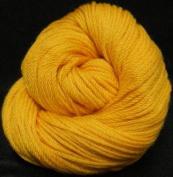 Cascade Yarns 220 Superwash SPORT #821 - DAFFODIL