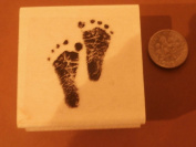 Small Baby feet rubber stamp WM 3.8cm x 2.5cm