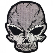 Alien Skull Awesome Cool Embroidered Iron On Patches WITH FREE GIFT