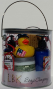 DUCKIES 4TH OF JULY (Diamond Horse Shoe Cinnamon Latte) GIFT CAN
