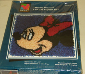 Mickey Unlimited Minnie Mouse Latch Hook Kit - D0002