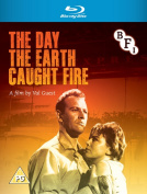The Day the Earth Caught Fire [Region B] [Blu-ray]