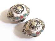 2 beads -Tibetan white crackle resin capped beads with tibetan conch symbol - BD397