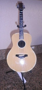 36cm Classic Acoustic Guitar Bank with Metal Stand