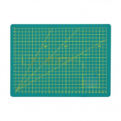 A Level A4 3-layer Self-healing Craft Cutting Mats with with Cm Grid Lines