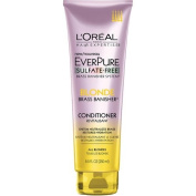 Neutralises brassiness and restores hydration Hair EverPure Blonde Conditioner