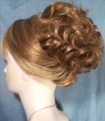 HAYLEY Clip On Hairpiece 27H613 Strawberry-Vanilla