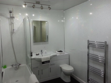 5 White Sparkle Diamond Effect PVC Bathroom Cladding Shower Wall Panels