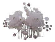 Silver. Crystal and Pearl Flower Wedding Hair Comb / Bridal Hair Accessories