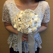 [SOPHISTICATED]. Designer's Bling Crystal Rhinestone Bridal Wedding Bouquet - Cream Satin Roses, Comes with a Flower Brooch and Pearls