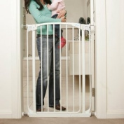 Dreambaby Extra Tall Swing Closed Gate White with No-Trip Ramp