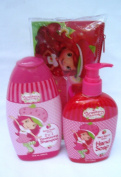 "Girls ""Strawberry Shortcake"" Bath Bundle"