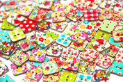 RayLineDo® Square Buttons-Mixed Wood Craft Buttons Sewing Scrapbooking Flower Patterns with 2 Holes
