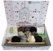 Heidifeathers Boxed Wet Felting Kit - 100g Natural Wool, Bamboo Mat....