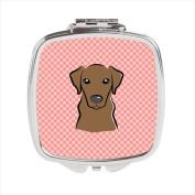 Carolines Treasures BB1234SCM Checkerboard Pink Chocolate Labrador Compact Mirror 2.75 x 3 x .7.6cm .