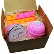 Suezbana Snowy Pink Gift Pack contains a Supersize Bath Bomb, Bath Salt and Wax Melt