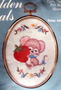 "Oval Framed Embroidery Kit ""Daisy with Strawberry"""