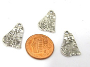 6 pieces - Cat charms antiqued silver tone plated 20 mm x 13 mm - CM177