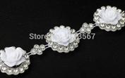 1yard 22mm Crystal Rhinestone White Shell Flower Motif Venise Lace Chain Costume Applique Embellishment Ribbon Sew on for Wedding Dress T581