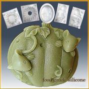 Pumpkin Hide 'N Seek Mice- Detail of High Relief Sculpture - Silicone Soap/sugar/fondant/chocolate/marzipan 2d Mould