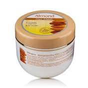 Hair mask with Almond Oil for dry and treated hair