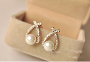 Leiothrix Elegant Intersect Ear Stud with Pearl & Rhinestone for Women and Girls Apply to Party and Casual