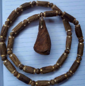 Viet Nam Natural High Oil Agarwood Necklace