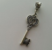 Dan Smatree The Beads Crown Key Dangle Bead for Silver European Charm Bracelets Necklace