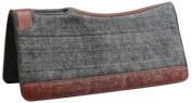 Showman ® 80cm X 80cm Contoured felt pad