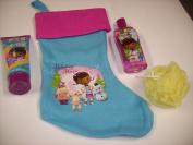 5pc Disney Juniors Doc McStuffins Bath & Fun Bundle Gift Set with Festive Pink & Blue Doc Stocking, Berry Fine 210ml Body Wash, 240ml Bubble Bath & Body Puff